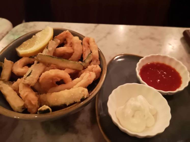Fried squid and zucchini with an aioli and sweet chilli sauce